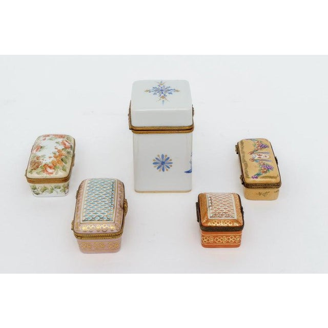 French Peint Main Limoges Porcelain Boxes - Set of 5 For Sale - Image 3 of 13