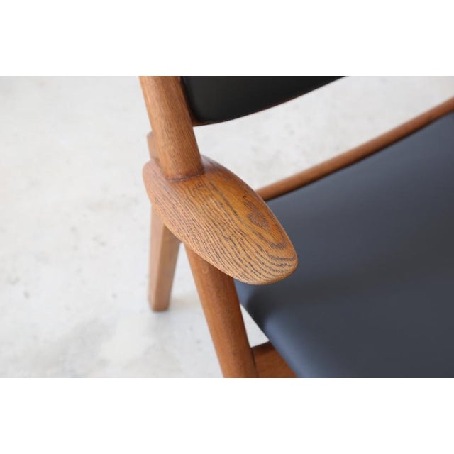 Hans J. Wegner Danish Modern Sawbuck Chair Ch28 For Sale In Miami - Image 6 of 9