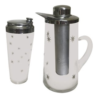 Vintage Star Etched Cocktail Shaker and Pitcher - 2 Piece Set For Sale
