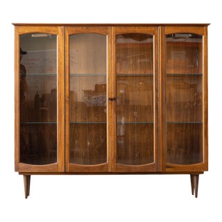 Mid Century Modern Lane Furniture Display Case For Sale