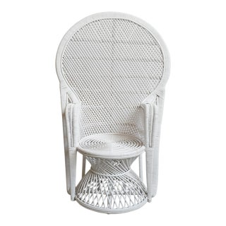 White Perindo Peacock Wicker Chair For Sale