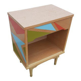 Mid-Century Modern Atomic Age Side Table With Laminate Top For Sale