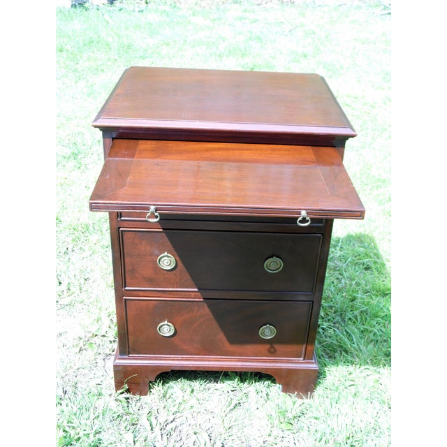 Antique Robert Treate Hogg Custom Solid Mahogany Chest of Drawers Petite Dresser - Image 4 of 11
