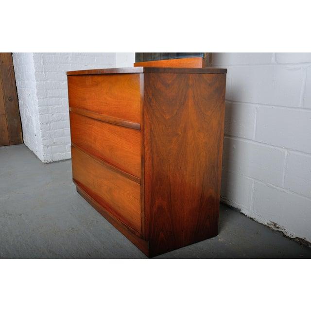 Mid-Century Modern Walnut Vanity Dresser For Sale In New York - Image 6 of 13