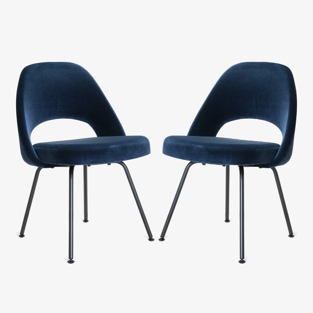 Contemporary Saarinen Executive Armless Chairs in Navy Velvet, Obsidian Matte - Set of 6 For Sale - Image 3 of 13
