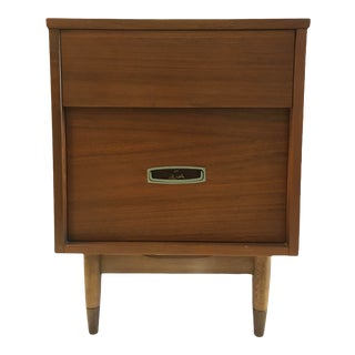 Vintage Mid-Century Walnut Nightstand by Hooker Furniture For Sale