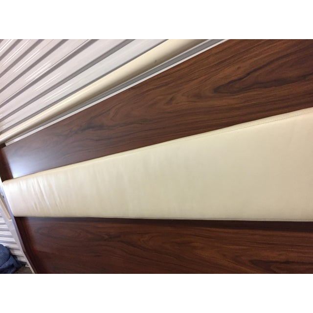 1990s King Solid Mahogany and Leather Bed Headboard by Morlen Sinoway For Sale - Image 5 of 13