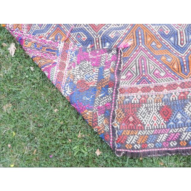 Handwoven Turkish Kilim Rug Pastel Colors Area Rug Petite Braided Kilim - 4′11″ × 9′4″ For Sale - Image 11 of 12