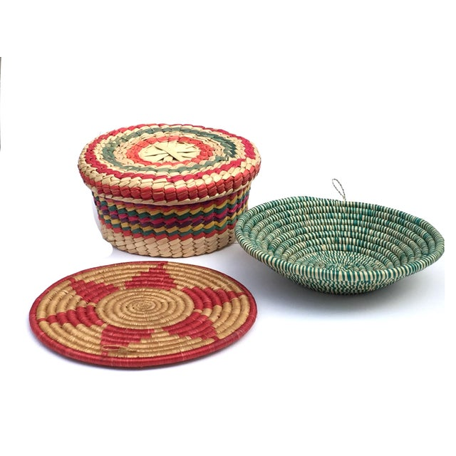 Green Multicolored Woven Baskets - Set of 3 For Sale - Image 8 of 8