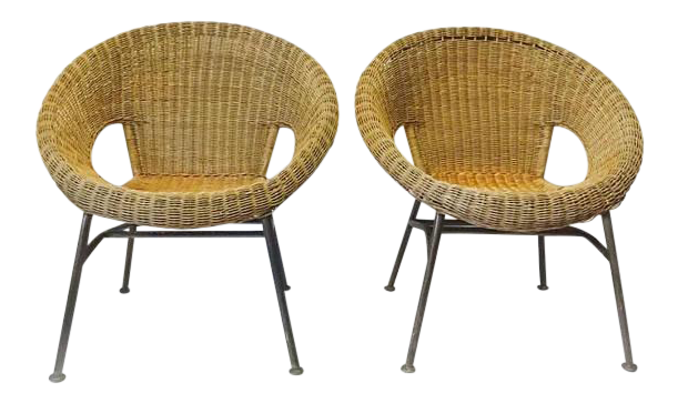 Merveilleux Mid Century Modern Rattan Hoop Chairs Au Natural Wicker Saucer Lounge Chairs    A Pair For