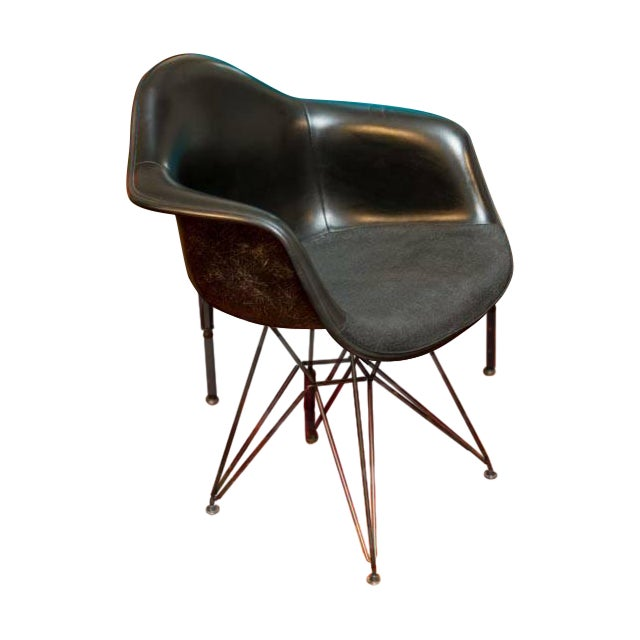 Herman Miller Eames Fiberglass Chair - Image 1 of 5