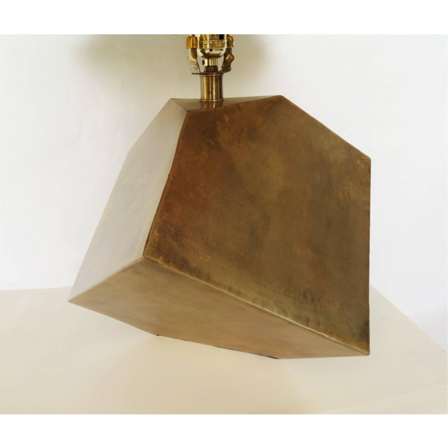 Gabriella Crespi Pair of Geometric Form Sculptural Brass Lamps Manner of Gabriella Crespi For Sale - Image 4 of 5