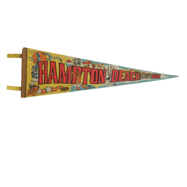 Boho Chic Vintage Hampton Beach n.h. Felt Flag Pennant For Sale - Image 3 of 3