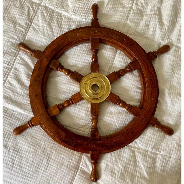 1960s Vintage Nautical Brass & Wood Maritime Boat Steering Wheel For Sale In Saint Louis - Image 6 of 6