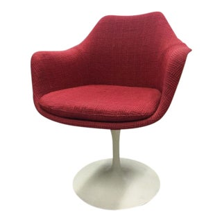 Mid Century Modern Eero Saarinen for Knoll Tulip Chair For Sale