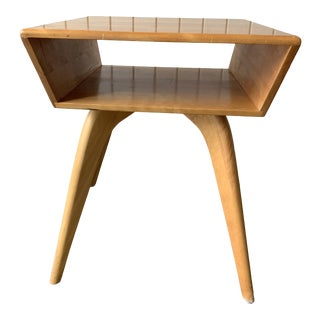 Mid-Century Modern Heywood Wakefield Style Side Table For Sale