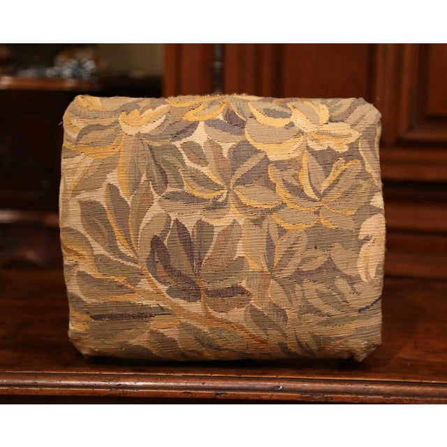 French 19th Century French Louis XV Carved Gilt Walnut Footstool With Aubusson Tapestry For Sale - Image 3 of 9