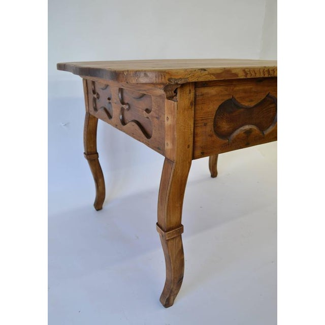 Early 19th Century Pitch Pine and Oak Baroque Revival Centre Table For Sale - Image 5 of 8