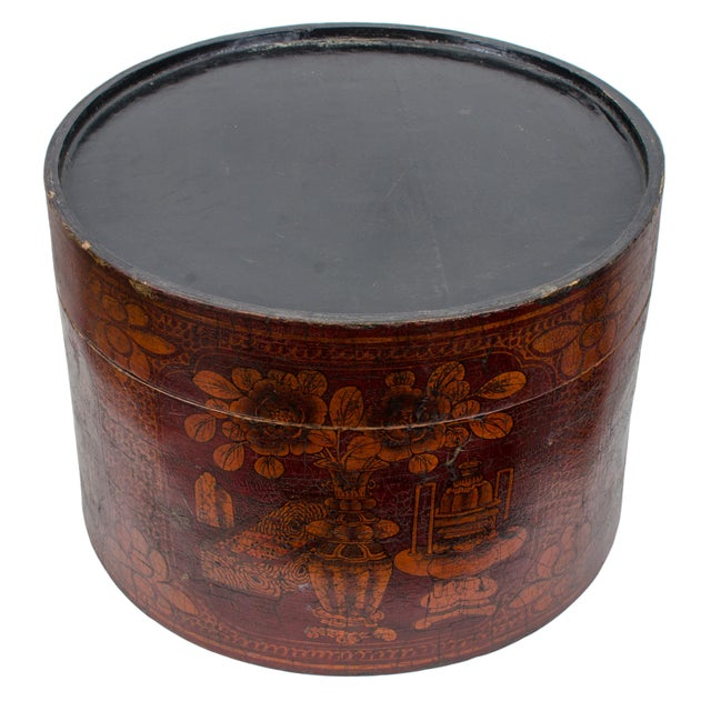 Late 19th Century Qing Dynasty Red Lacquered Hat Box For Sale - Image 5 of 8