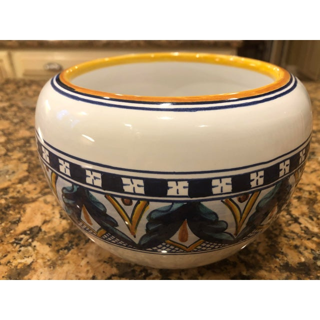1970s Vintage 1970s Amano Franco Mari Deruta Italian Signed Hand Painted Dip Pottery Planter For Sale - Image 5 of 9