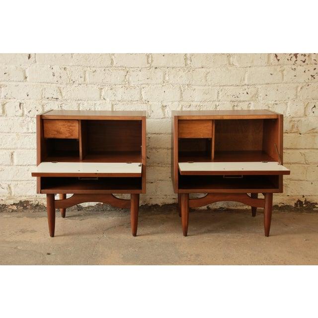 Merton Gershun Mid-Century Modern Walnut Nightstands - Pair For Sale In South Bend - Image 6 of 11