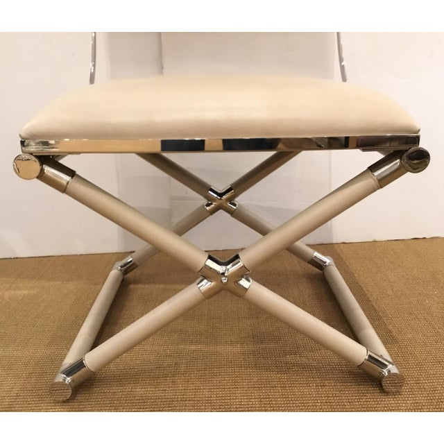 Mid-Century Modern Caracole Mid-Century Modern Style Cream Leather and Nickel Accent Chair For Sale - Image 3 of 6