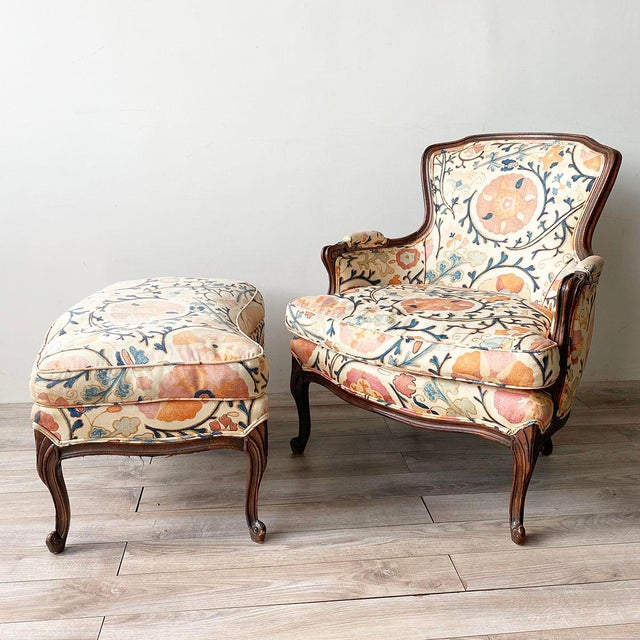 """Cream Louis XV Style Armchair and Ottoman in Brunschwig & Fils """"Dzhambul"""" Fabric For Sale - Image 8 of 8"""