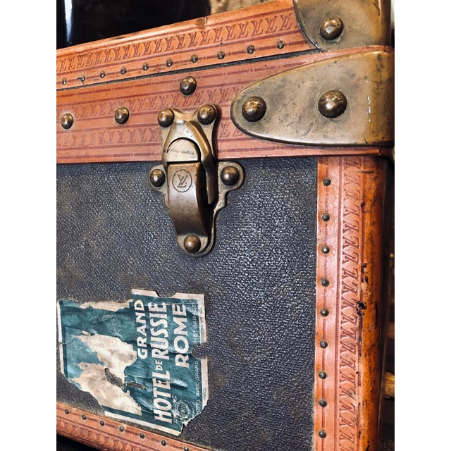 Early 20th Century Louis Vuitton Paris Monogram Canvas Trunk, Hard Suitcase For Sale - Image 9 of 13
