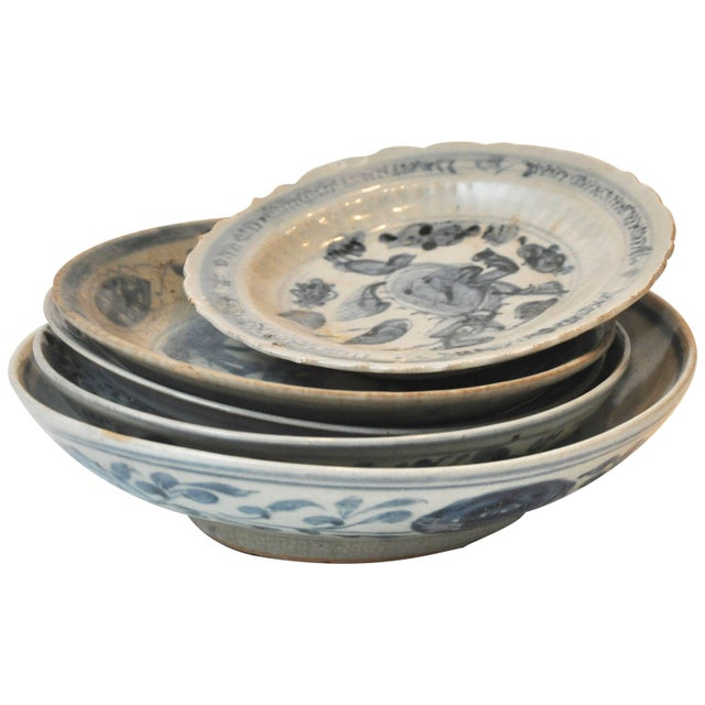 19th Century Collection of Blue and Bone Colored Chinese Porcelain For Sale - Image 9 of 9