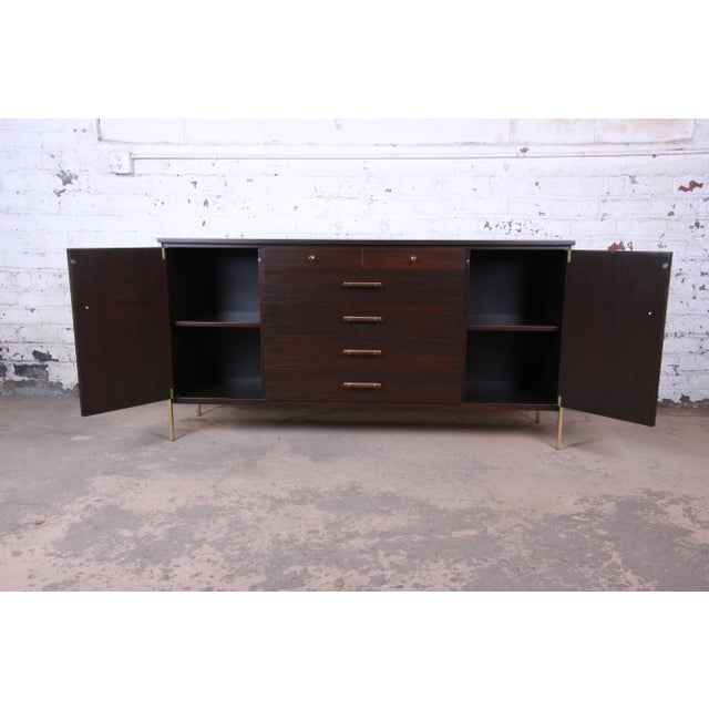 Contemporary Paul McCobb for Calvin Mahogany and Brass Sideboard Credenza For Sale - Image 3 of 13