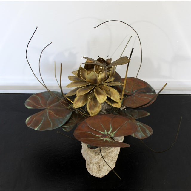 1970s Mid Century Modern Brutalist Brass on Stone Table Sculpture Water Lily Jere Era For Sale - Image 5 of 8