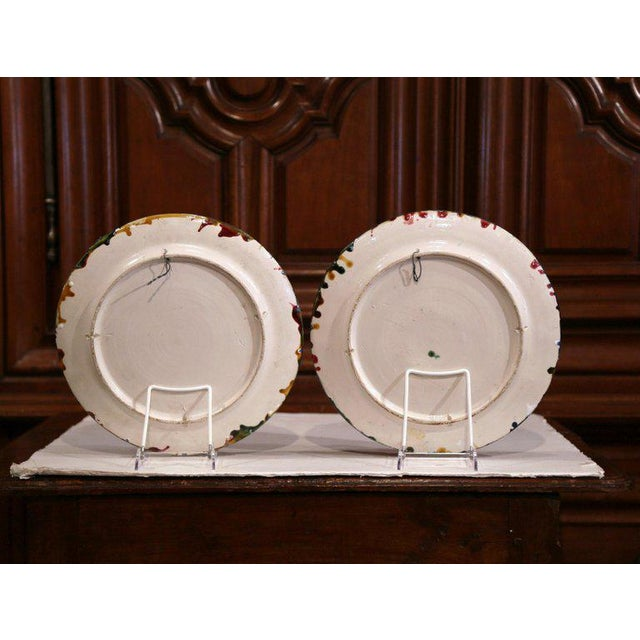 Ceramic Pair of Mid-20th Century French Barbotine Wall Platters With Crabs From Brittany For Sale - Image 7 of 8