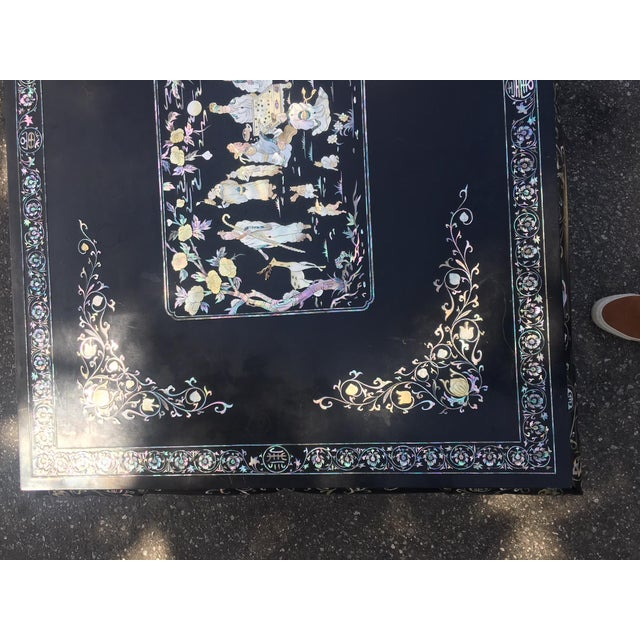Mid 20th Century Chinoiserie Lacquered Coffee Table For Sale - Image 5 of 7