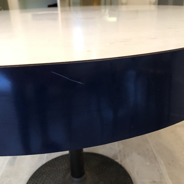 Contemporary ICF Blue & White Oval Table With Metal Base For Sale In New York - Image 6 of 13