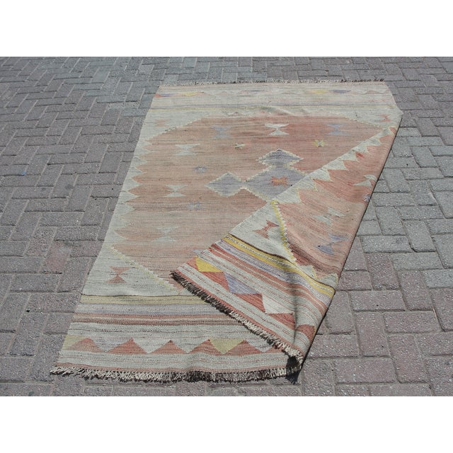 "Vintage Turkish Kilim Rug - 4'11"" x 7'1"" For Sale - Image 11 of 11"