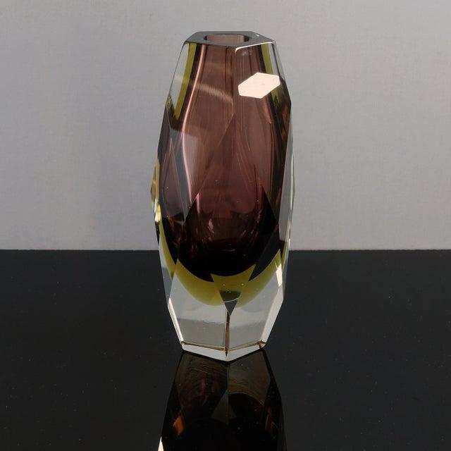 1960s Vintage Luigi Mandruzzato Pentagonal Amethyst Diamond Cut Block Vase For Sale - Image 10 of 12