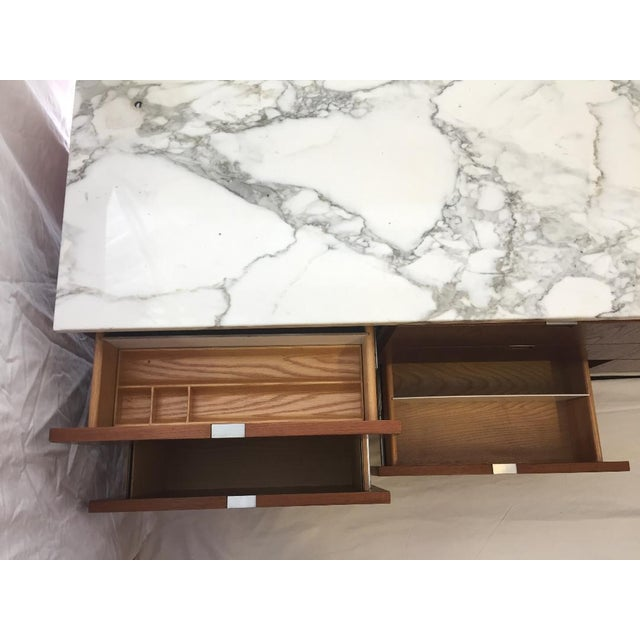 Art Deco 1970s Mid-Century Modern Florence Knoll Brazilian Rosewood Credenza With a Carrara Marble Top For Sale - Image 3 of 5