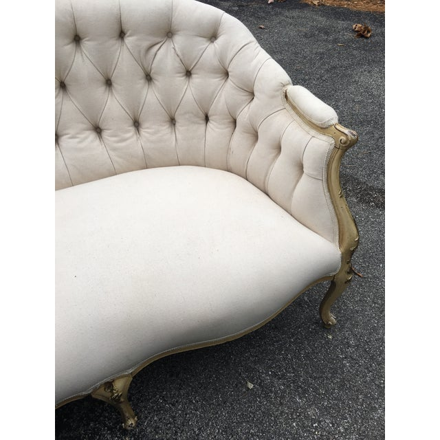 Traditional 1920s French Muslin Covered Settee For Sale - Image 3 of 9