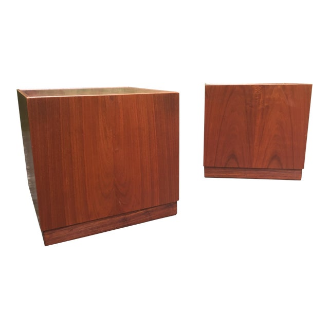Jens Risom Mid Century Modern Cube Tables ~ a Pair For Sale