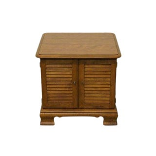 20th Century Early American Ethan Allen Heirloom Nutmeg Maple Square End Table For Sale