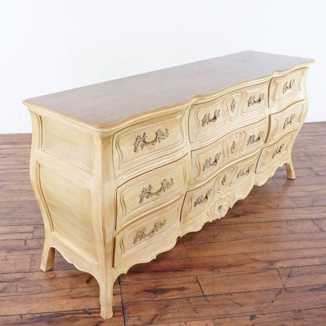Shabby Chic Henredon Tan Triple Dresser For Sale - Image 3 of 9