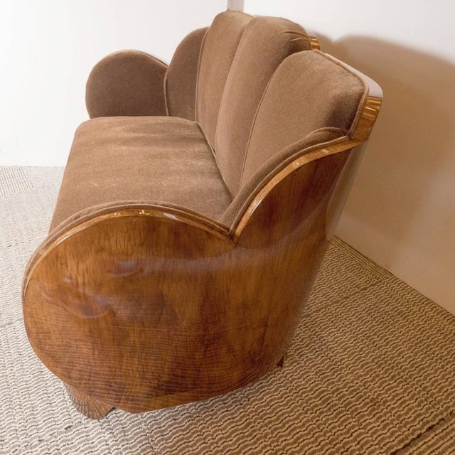 "Brown Gorgeous Art Deco ""Cloud"" Series Sofa in Bookmatched Walnut and Chestnut Mohair For Sale - Image 8 of 9"