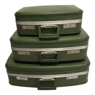 Vintage Green Hard Shell Luggage - Nesting Set of 3 For Sale