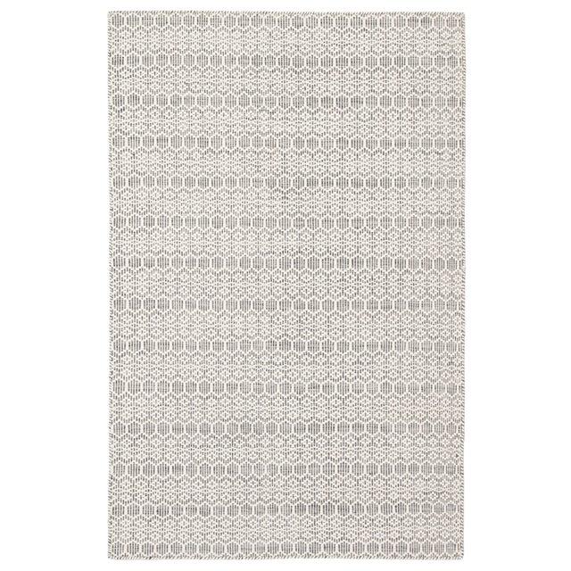Jaipur Living Calliope Handmade Trellis White/ Gray Area Rug - 5′ × 8′ For Sale