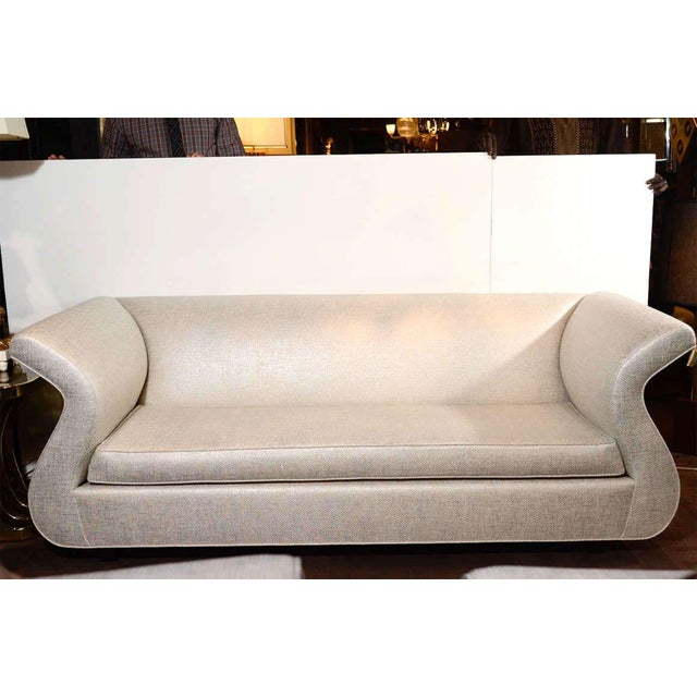 Hollywood Regency Swan Sofa Designed by Dialogica For Sale In New York - Image 6 of 11
