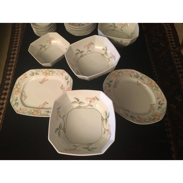 Traditional Villeroy & Boch Fruit Garden Pattern Dinnerware - Set for 8 For Sale - Image 3 of 6