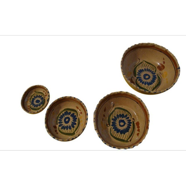 Tlaquepaque Mexican Nesting Bowls - Set of 4 For Sale - Image 9 of 10