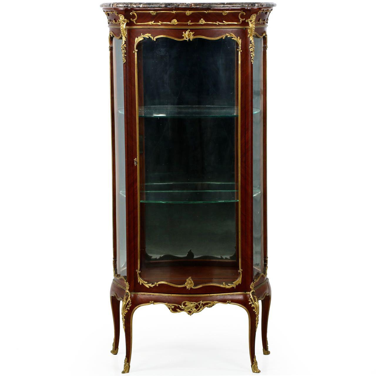 A Work Of Simply Outstanding Quality And Craftsmanship, This Gorgeous  Vitrine Is Of The Belle
