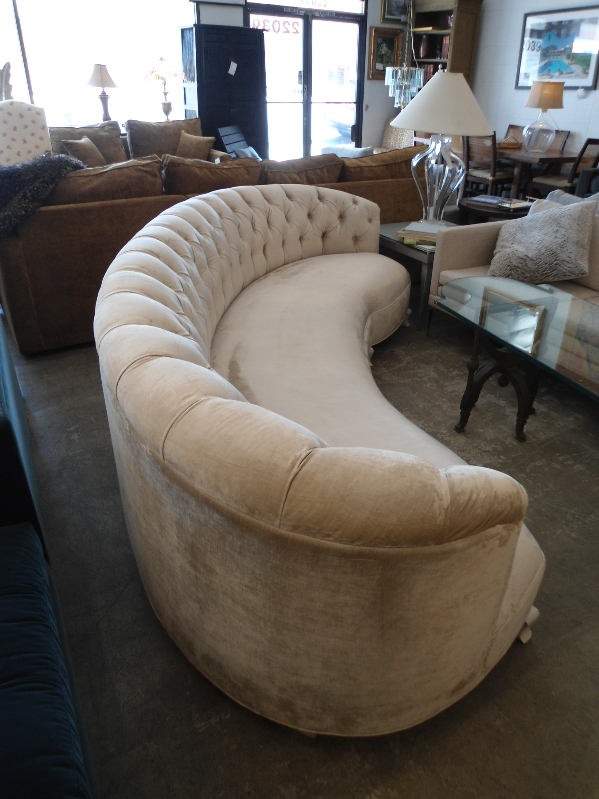 Horchow Tufted Velvet Monroe Curved Sofa   Image 4 Of 11