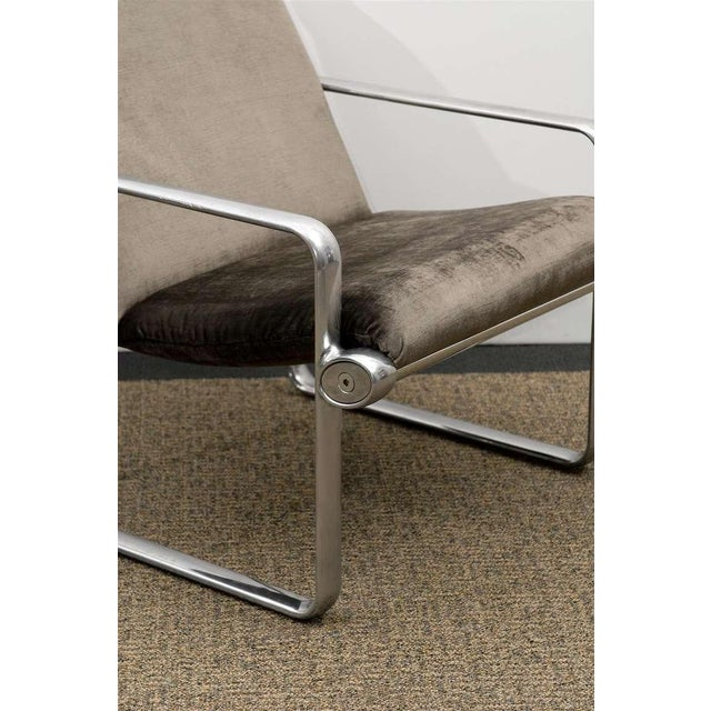 Metal Rare Pair of Aluminum Lounge/Club Chairs by Hannah/Morrison for Knoll For Sale - Image 7 of 11